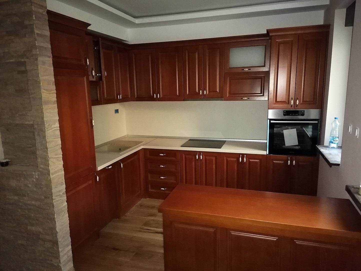 Kuhinja od punog drveta